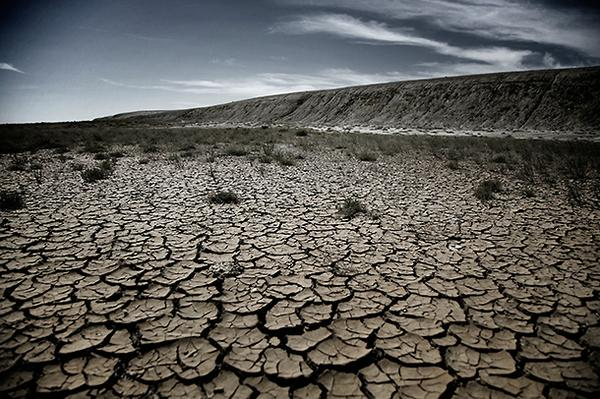 NONOISE_09_drought_at_former_shore.jpg